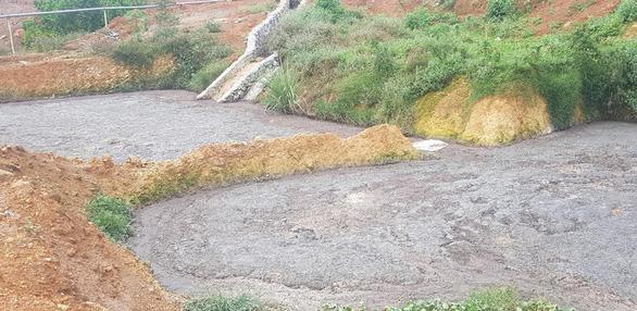 Trại gà gây ô nhiễm môi trường ở Phú Thọ bị phạt hơn 440 triệu - Ảnh 1.