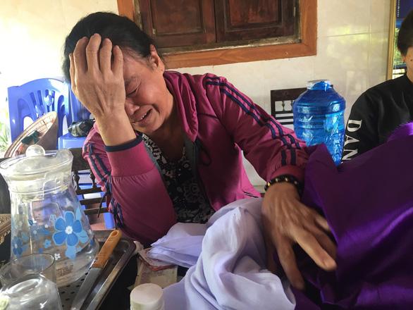 Con xuất ngoại rồi biệt tích, mẹ khóc cạn nước mắt suốt 3 tháng - Ảnh 1.