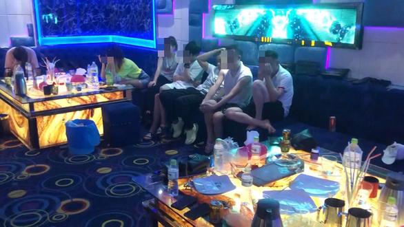 Phát hiện nhiều người Trung Quốc chơi ma túy trong quán karaoke ở Đà Nẵng - Ảnh 1.