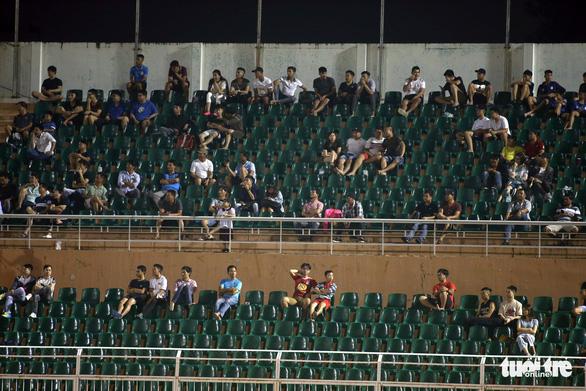 Sân Thống Nhất vắng tanh ngày U19 Việt Nam mở màn vòng loại châu Á 2020 - Ảnh 2.
