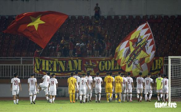 Sân Thống Nhất vắng tanh ngày U19 Việt Nam mở màn vòng loại châu Á 2020 - Ảnh 7.