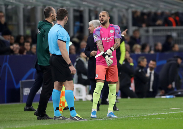 Jesus đá hỏng penalty, Bravo nhận thẻ đỏ, Man City đứt mạch chiến thắng - Ảnh 4.