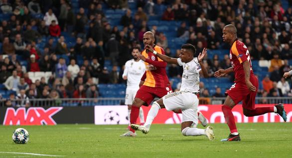 Cầu thủ 18 tuổi Rodrygo lập hat-trick, Real Madrid thắng Galatasaray 6 sao - Ảnh 2.