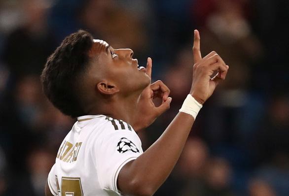 Cầu thủ 18 tuổi Rodrygo lập hat-trick, Real Madrid thắng Galatasaray 6 sao - Ảnh 1.