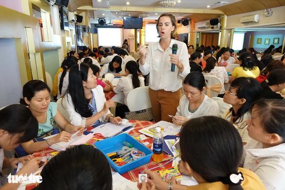 TP.HCM kiến nghị điều chỉnh tiêu chuẩn của giáo viên tiếng Anh tiểu học - Ảnh 1.
