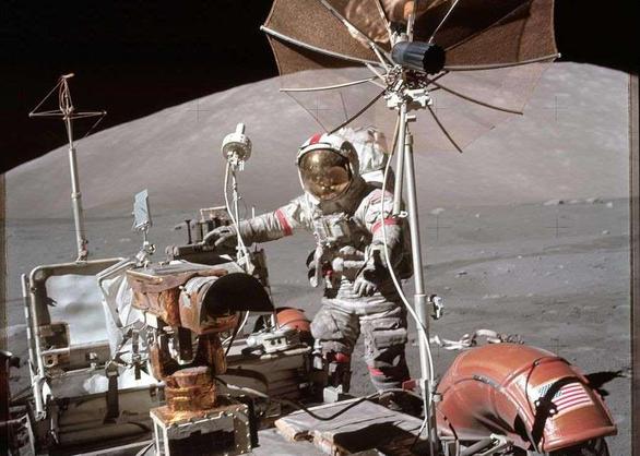 Vì sao đến giờ Mỹ mới soi các mẫu vật lấy từ Mặt trăng gần 50 năm trước? - Ảnh 3.