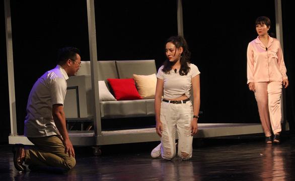 Khán giả Hà Nội thích xung đột trong Ngược chiều gió - Ảnh 1.