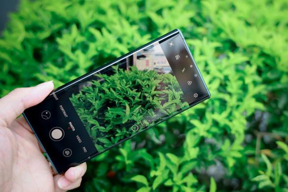 Huawei Mate 30 Pro – smartphone mang hơi thở tương lai chính thức mở bán tại Việt Nam - Ảnh 2.