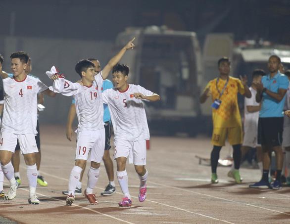 Thắng Đảo Guam 4-1, U19 Việt Nam chờ quyết đấu với Nhật Bản - Ảnh 1.