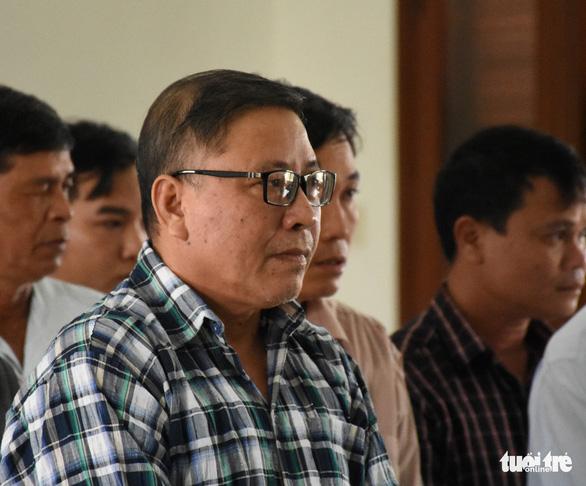 Cựu chủ tịch huyện cố ý làm trái bị đề nghị phạt 12-13 năm tù - Ảnh 2.
