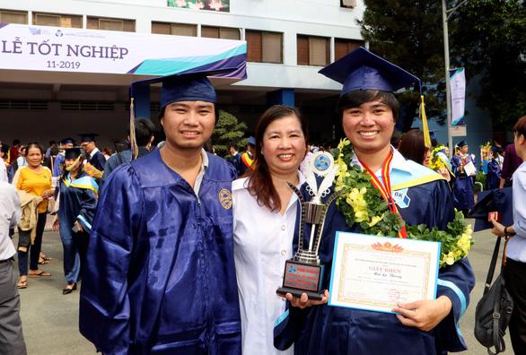 Cặp song sinh Thông - Thái tốt nghiệp xuất sắc Đại học Bách khoa - Ảnh 1.