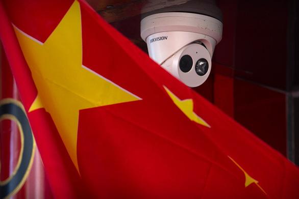 Mỹ hốt hoảng: camera Trung Quốc vô tận căn cứ tàu ngầm của Mỹ - Ảnh 1.