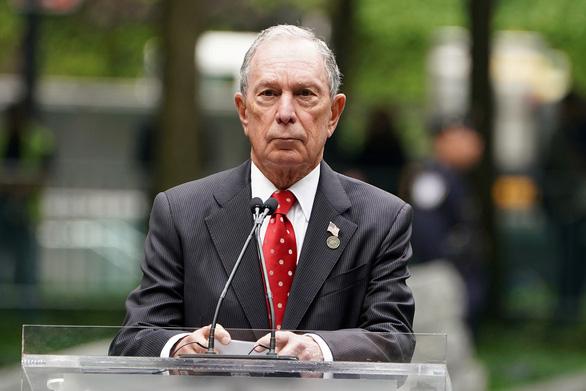 Tỉ phú Bloomberg quyết thắng tỉ phú Trump trên đường đua tổng thống - Ảnh 1.