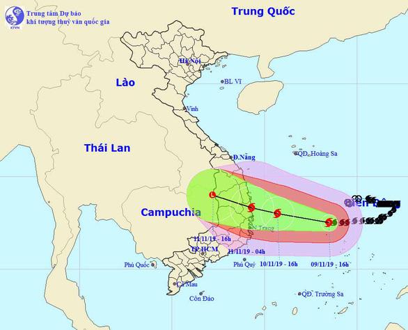 Bão số 6 chỉ còn cách Quảng Ngãi, Khánh Hòa 450km - Ảnh 1.