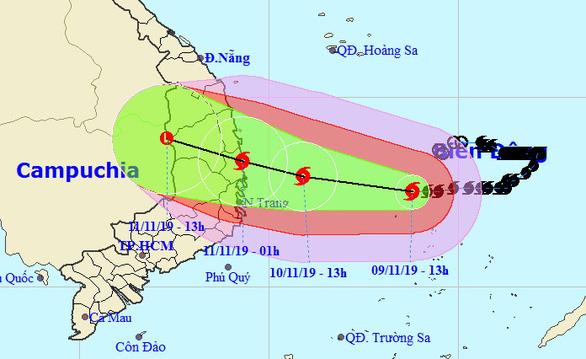Bão số 6 ảnh hưởng trực tiếp ven biển Quảng Ngãi - Khánh Hòa từ chiều tối 10-11 - Ảnh 2.