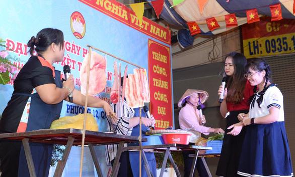 Bí thư Nguyễn Thiện Nhân dự ngày hội đại đoàn kết dân tộc - Ảnh 2.