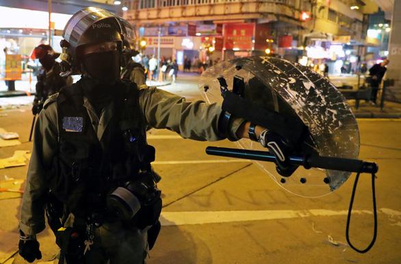 Trung Quốc chỉ trích lãnh đạo Liên Hiệp Quốc đòi điều tra cảnh sát Hong Kong - Ảnh 1.