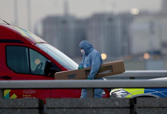 IS nhận trách nhiệm vụ tấn công trên cầu London, khẳng định: Một chiến binh đáp lời - Ảnh 1.