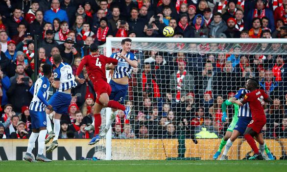 Van Dijk lập cú đúp, Liverpool bỏ xa Man City 11 điểm - Ảnh 2.