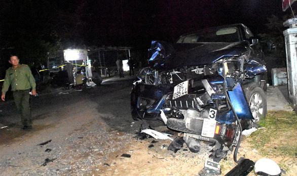 Xe bán tải gây tai nạn ở Phú Yên: vợ nguy kịch, chồng gãy đốt sống cổ - Ảnh 1.