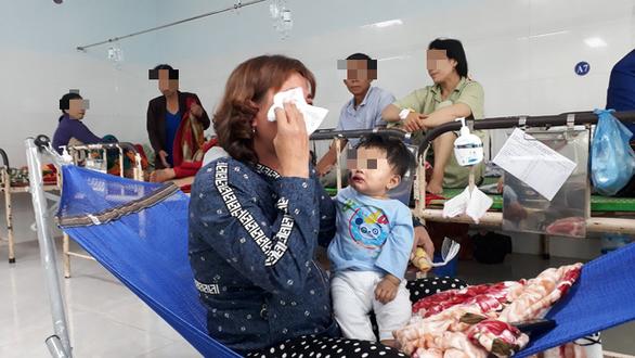 Xe bán tải gây tai nạn ở Phú Yên: vợ nguy kịch, chồng gãy đốt sống cổ - Ảnh 3.