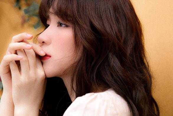 Hòa Minzy hát Điều buồn nhất khi yêu, xóa tin giải nghệ - Ảnh 2.