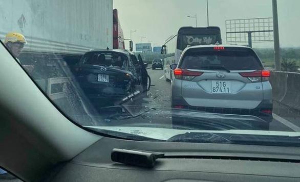 Cao tốc TP.HCM - Long Thành - Dầu Giây kẹt cứng sau tai nạn - Ảnh 3.