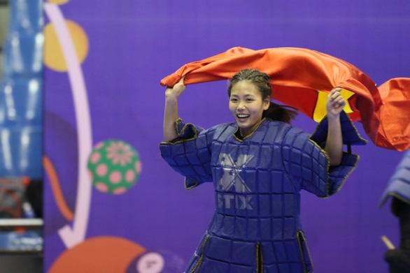 Nữ VĐV võ gậy Việt Nam bị bỏ đói vẫn giành 3 HCV SEA Games 30 - Ảnh 2.
