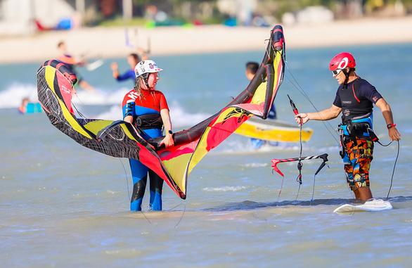 Ninh Chữ - điểm đến của lướt ván diều quốc tế - Ảnh 6.