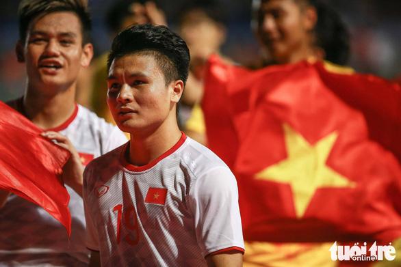 Quang Hải lỡ cơ hội thi đấu trong phút cuối trận thắng U22 Indonesia - Ảnh 9.