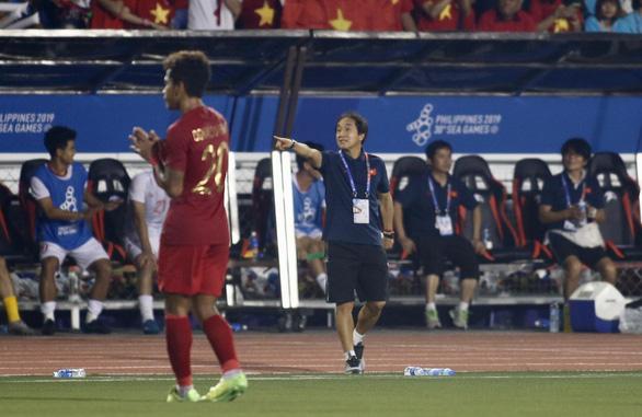 Trợ lý Lee Young Jin: Trận đấu được định đoạt rất sớm và trơn tru - Ảnh 1.