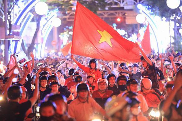 Công an TP.HCM ra quân chống 'bão' sau trận U22 Việt Nam - Indonesia - Ảnh 2.