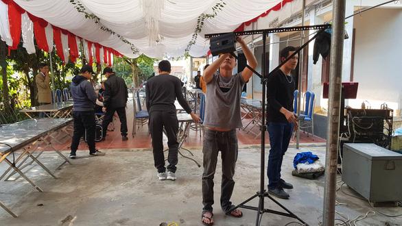 Nhà Văn Toản dựng rạp, nấu 60 mâm cỗ mời cả làng đến cổ vũ U22 Việt Nam - Ảnh 1.