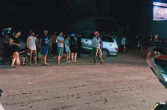 Vụ tài xế trúng đạn tử vong ở Bình Chánh: Trên xe chở thuốc lá lậu - Ảnh 2.