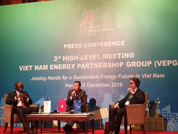 Điện than sẽ chiếm đến 60% nguồn điện tại Việt Nam? - Ảnh 1.