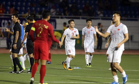 Quang Hải lỡ cơ hội thi đấu trong phút cuối trận thắng U22 Indonesia - Ảnh 6.