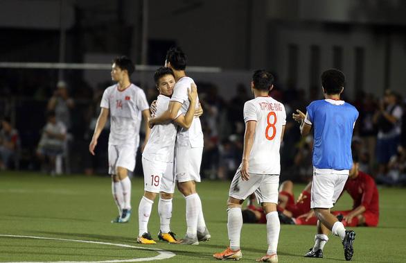 Quang Hải lỡ cơ hội thi đấu trong phút cuối trận thắng U22 Indonesia - Ảnh 7.
