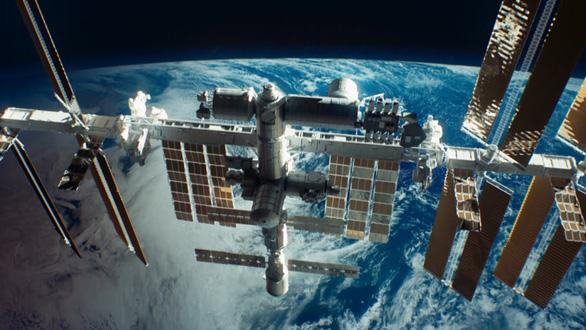 Lần đầu con người đưa máy dọn rác khổng lồ vào không gian - Ảnh 3.