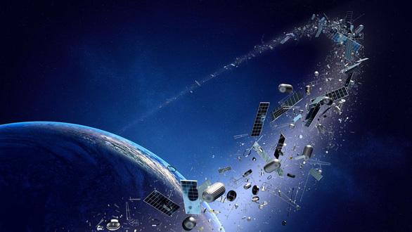 Lần đầu con người đưa máy dọn rác khổng lồ vào không gian - Ảnh 1.