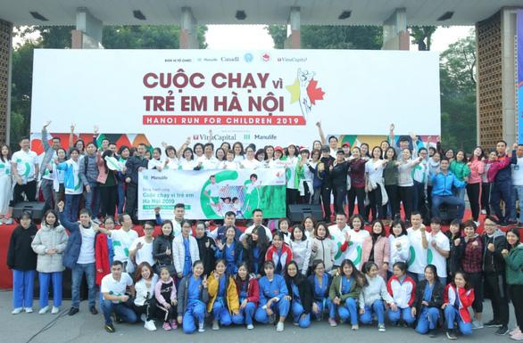 Cuộc chạy vì trẻ em Hà Nội 2019 tràn ngập sắc màu Manulife Việt Nam - Ảnh 1.