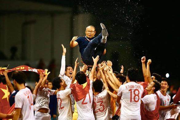 Thủ tướng sẽ tiếp đón hai nhà vô địch bóng đá SEA Games ngay khi về nước - Ảnh 1.