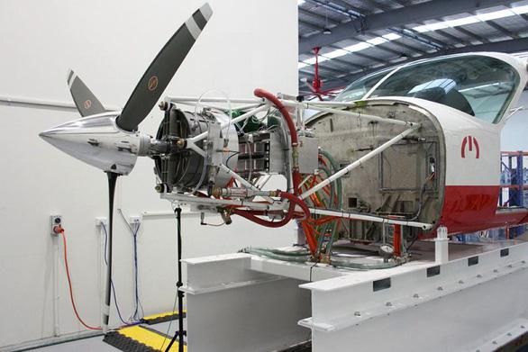 Canada thử nghiệm máy bay thương mại chạy điện đầu tiên trên thế giới - Ảnh 1.