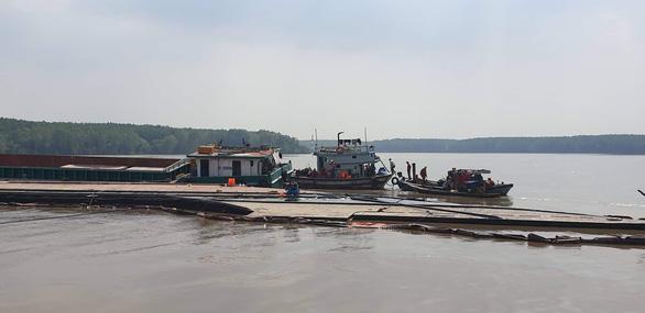3 thợ lặn mất tích, 2 nhập viện khi trục vớt container chìm ở Cần Giờ - Ảnh 3.