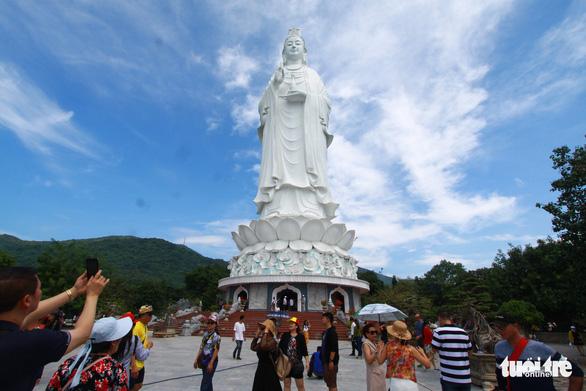 88% khách đi tour giá rẻ vào Đà Nẵng là khách Trung Quốc - Ảnh 1.