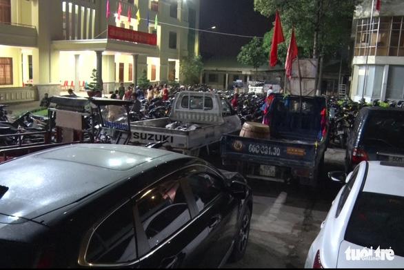 Hơn 250 xe đi 'bão' lạng lách, nẹt pô… bị tạm giữ, trụ sở công an chật kín xe vi phạm - Ảnh 5.