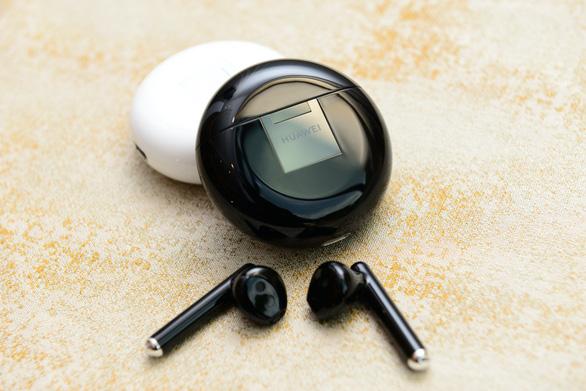 Huawei lộ diện tai nghe không dây chống ồn đầu tiên trên thế giới - Ảnh 2.