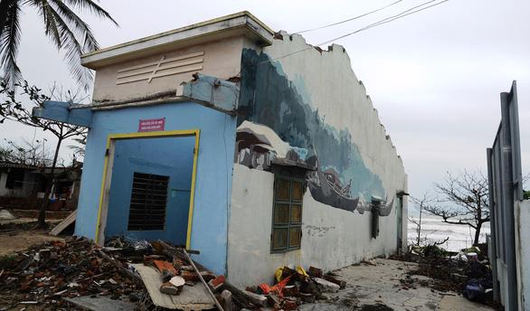 Đập bỏ, xây mới ở làng bích họa Tam Thanh - Ảnh 1.