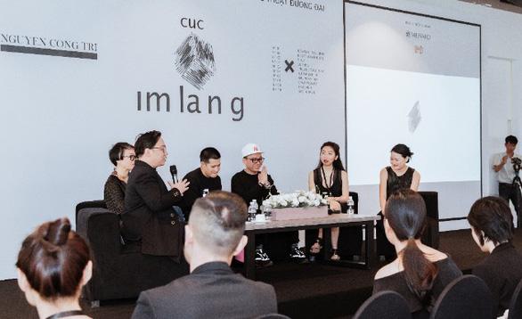 Việt Tú làm tổng đạo diễn triển lãm 20 năm của Nguyễn Công Trí - Ảnh 3.