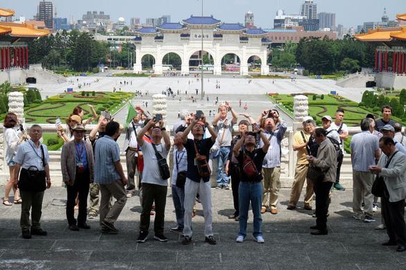 Quan chức Trung Quốc giả chuyên gia, khách du lịch xâm nhập Đài Loan? - Ảnh 1.