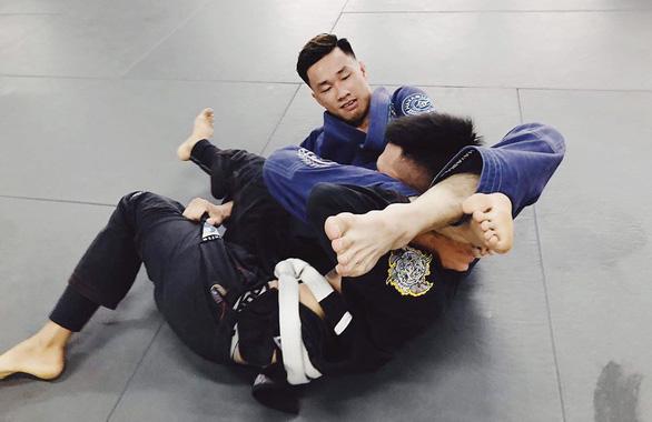 Vận động viên jiu-jitsu kiêm HLV thể hình, kinh doanh chó nuôi - Ảnh 1.